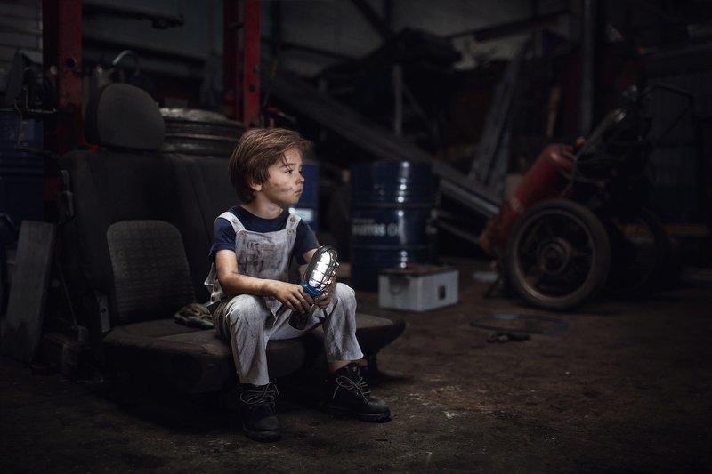 ребенок, портрет, слесарь, мастерская В мастерскойphoto preview