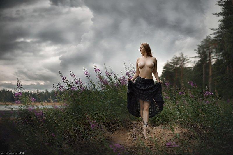 девушка,обнажённая,красота,грация,гармония,настроение,женственность,природа,гроза Перед грозойphoto preview