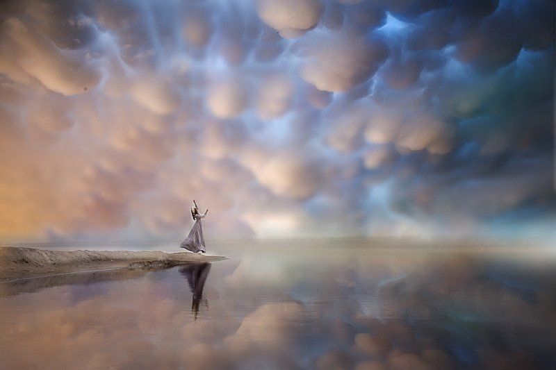 девушка небо облака озеро колдоство ИЛЬМАТАРphoto preview