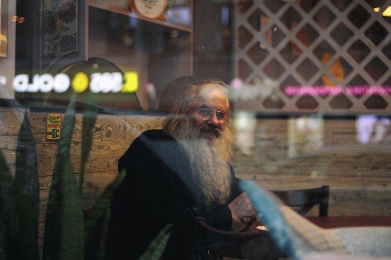 кафе, питер, город, стекло, человек человек в кафеphoto preview