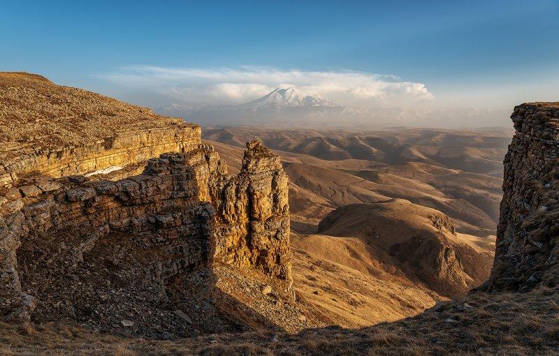 эльбрус, пейзаж, горы, небо, облака, холмы, трава, шаджатмаз, бермамыт, Эльбрус с плато Бермамытphoto preview