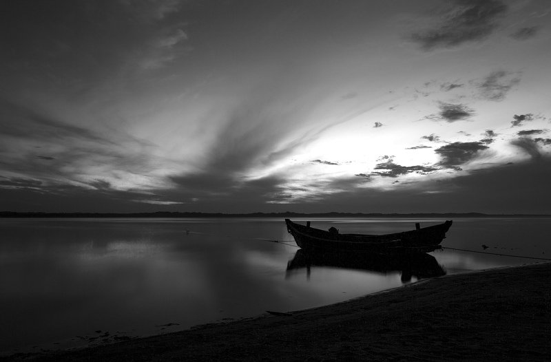 сахалин, лодка, рыбалка До рассвета можно передохнутьphoto preview