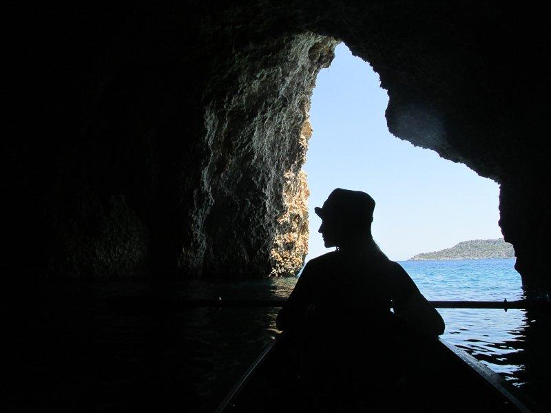 Пещера. Средиземное мореphoto preview