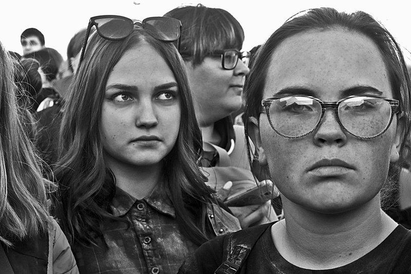 портрет, девушка, глаза, взгляд, апатиты Серьезные девчонкиphoto preview