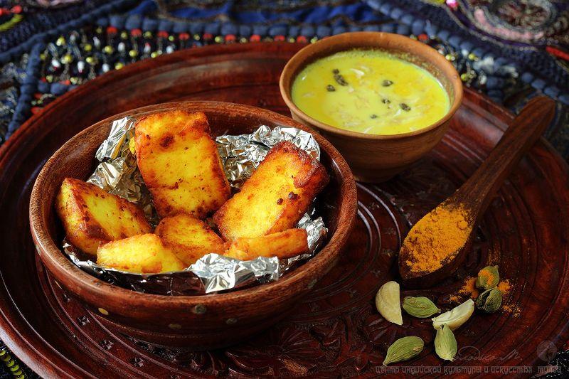 сыр,панир,молоко Панир с золотым молоком (индийский завтрак)photo preview