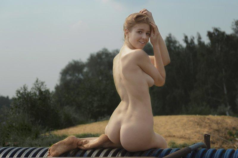 ню, обнажённая, голая, девушка, позирует, щукинский полуостров, строгино, каролина, модель, прекрасная Carolina. Утро на Щукинском полуостровеphoto preview