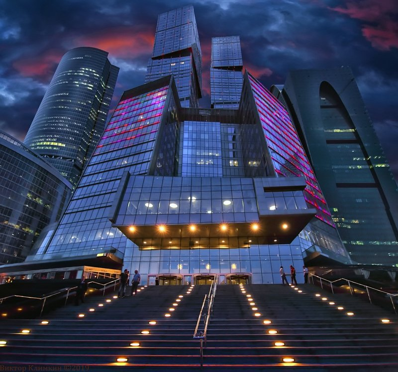 москва-сити, сити, москва, вечер, высотки, город Московская архитектураphoto preview