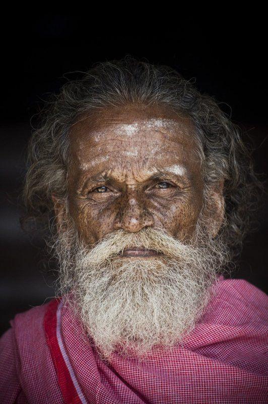 старый, мудрый, старец, дедушка, индия, жизнь, опыт, лишения, возраст, мысли, духовность, глаза, портрет, мир, покой Человекphoto preview