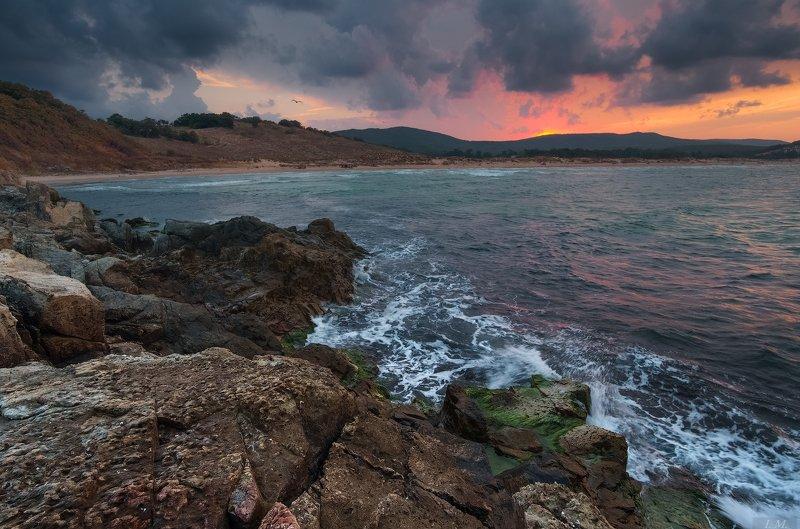 Болгария, Черное море, пейзаж, шторм, вечер, закат, Дюны, Ропотамо, скалы, путешествие, море, тучи, природа, Sea, Nature, Outdoors, Scenics, Sunset, Landscape, Rock, Beach, Sky, Cloud, Dusk, Dramatic Sky, Bulgaria, Arkutino, Dunes, seascape, stones, rocks Бурный вечер ...photo preview