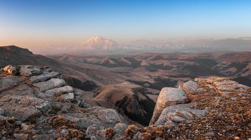 эльбрус, пейзаж, горы, небо, облака, холмы, трава, шаджатмаз, бермамыт, Эльбрусphoto preview
