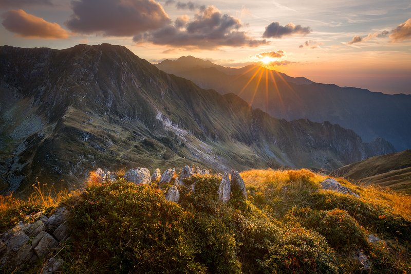 romania, fagaras, sunset, sun, mountain, rock, evening, clouds, sky, sun flare, Fagarasphoto preview