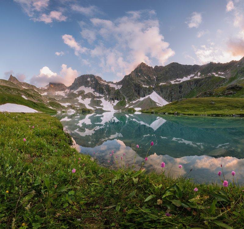 северный, кавказ, большое имеретинское озеро, вечер, июль, Был тихий безветренный вечерphoto preview