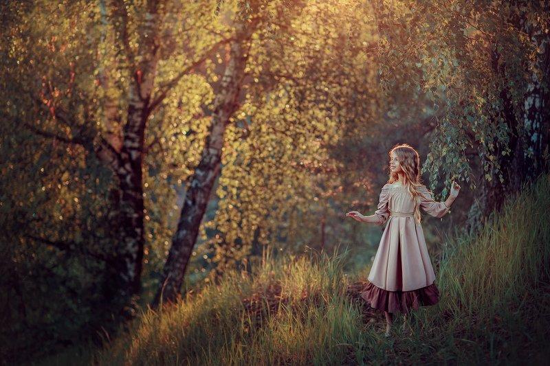 девочка, вечер, заката, контровой, лето, березы, соллнце, детский фотограф, портретный фотограф Летний вечерphoto preview