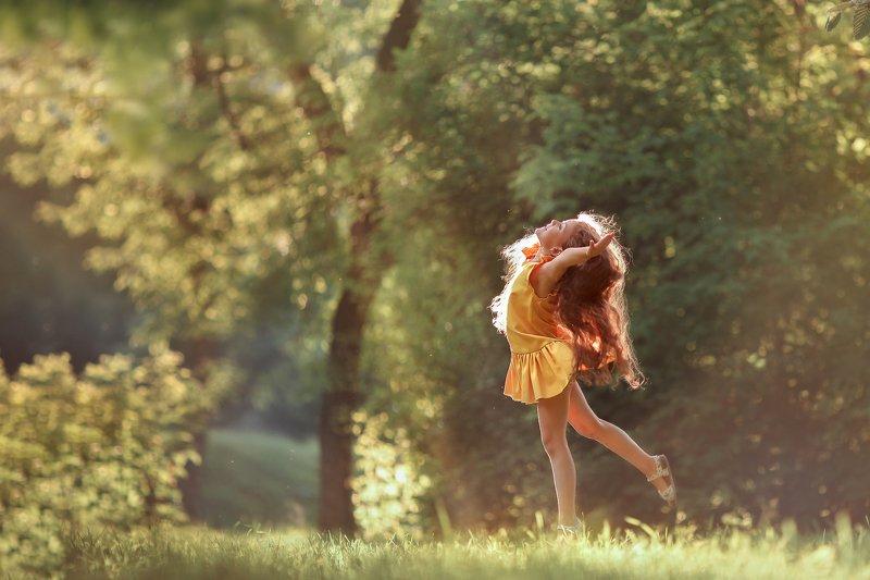 девочка танец счастье лето радость танецphoto preview
