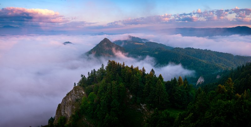 pieniny,poland,tatra,sunrise,mist above the cloudsphoto preview