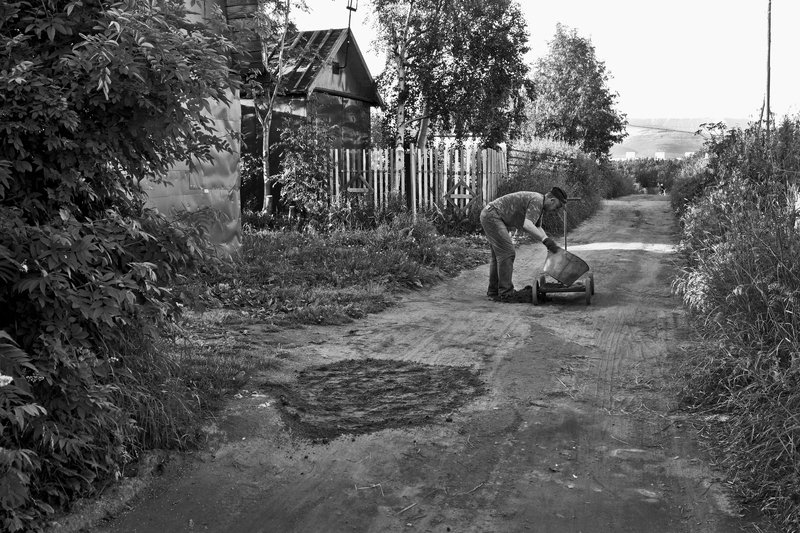 апатиты, дорога, ремонт, дачи, чб, лето Ямочный ремонт дороги по дачамphoto preview