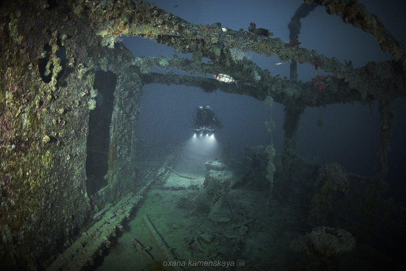 wreck underwater diver blue Мостик.photo preview
