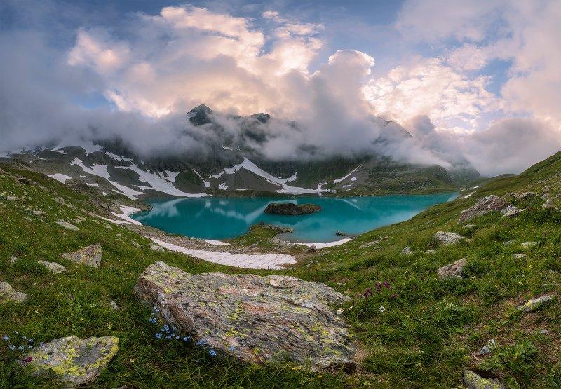 северный, кавказ, большое имеретинское озеро, вечер, июль, Вечер у озера Безмолвияphoto preview