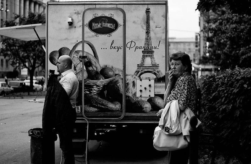 город, питер, чб, жанр, люди как в Парижеphoto preview