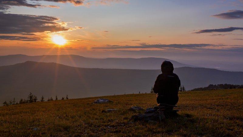нургуш, южный урал Провожая закат мы живем ожиданьем восходаphoto preview