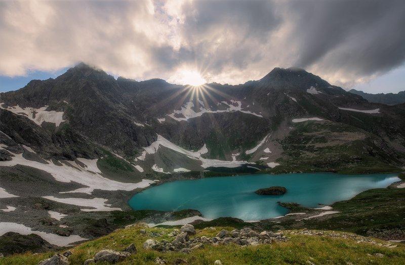 северный, кавказ, большое имеретинское озеро, вечер, июль, Про горы и солнцеphoto preview