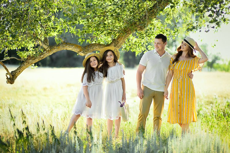 Семейный пикникphoto preview