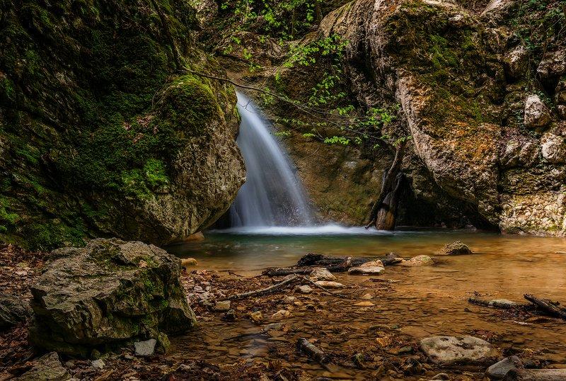 крым, водопад, лес, река, пейзаж, лето, вода, деревья, россия, В Крымском лесуphoto preview