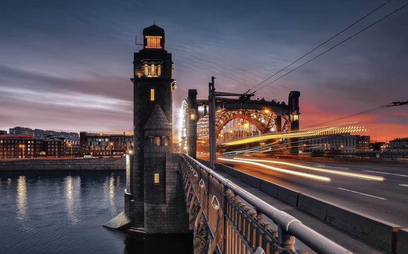 город,архитектура,мост,вечер,закат,движение,транспорт Вечер в городе.photo preview