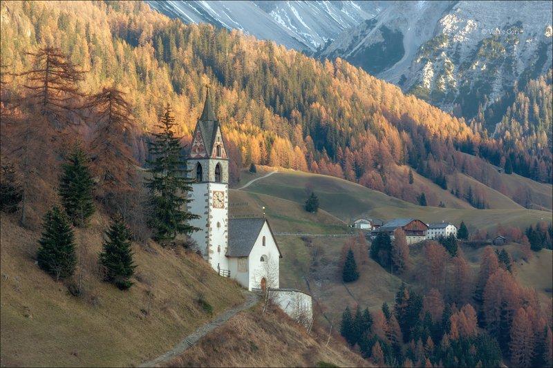 la valle wengen,доломиты,италия,сельский пейзаж,церквушка,санта барбара,толпей Tolpei фото превью