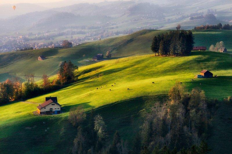 швейцария, альпы, горы На большом  воздушном шаре...photo preview