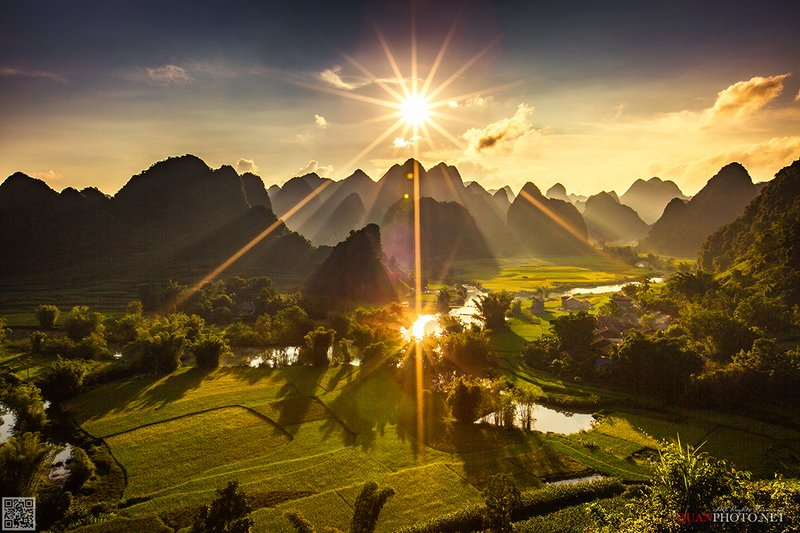 quanphoto, landscape, sunset, sundown, river, mountains, rice, valley, fields, golden, sunlight, reflections, farmland, agriculture, rural, vietnam Double SunStarsphoto preview