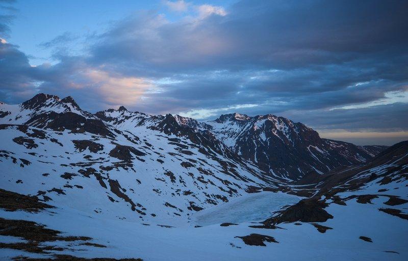 горы, закат, озеро Догорающие краскиphoto preview
