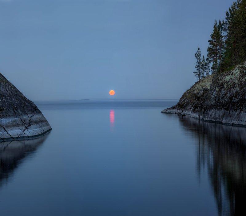 ладога, луна, шхеры, рассвет ,карелия, белая ночь, лето Восход луны в Ладожских шхерахphoto preview