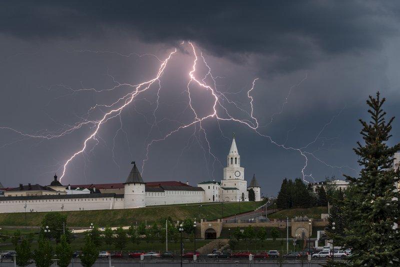 казань, гроза, молния, туча, город, кремль Озарениеphoto preview
