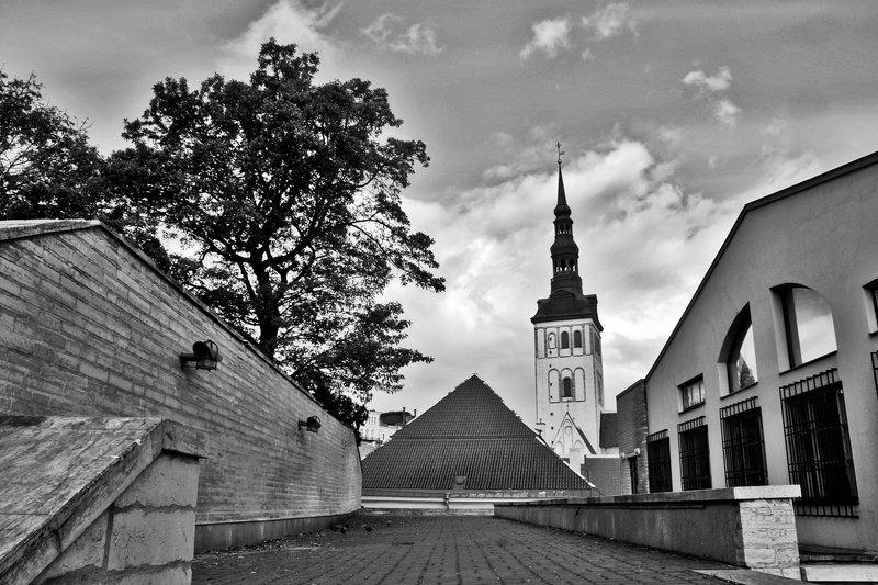 город, крыши, церковь, чб, таллин, апатиты Таллин Церковьphoto preview
