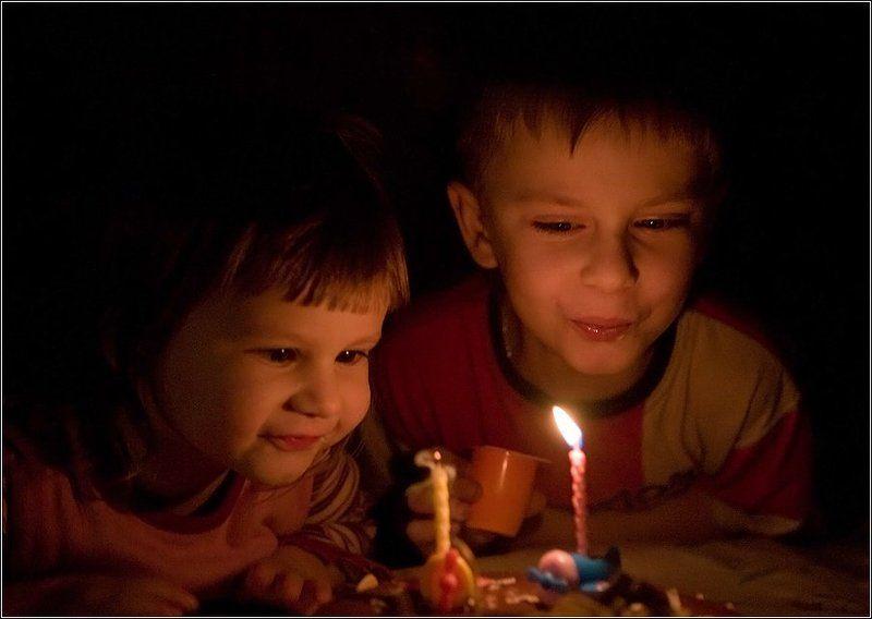 дети торт свечи День рожденияphoto preview