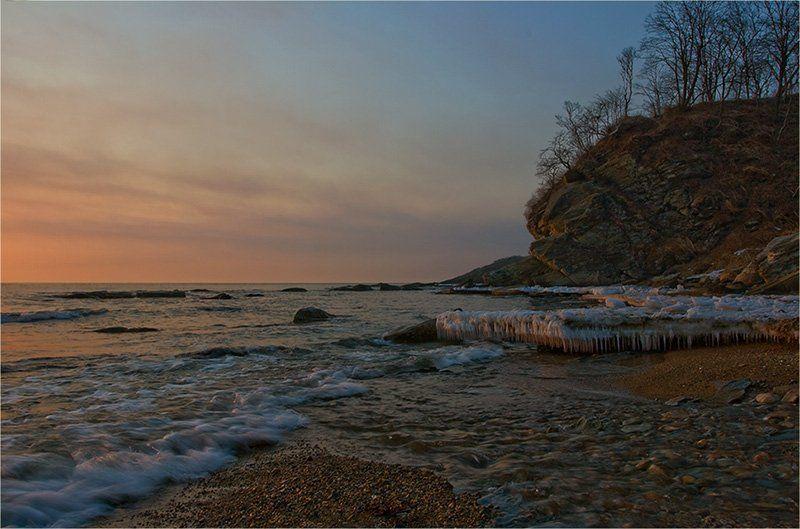 Пейзаж про море, утро и веснуphoto preview