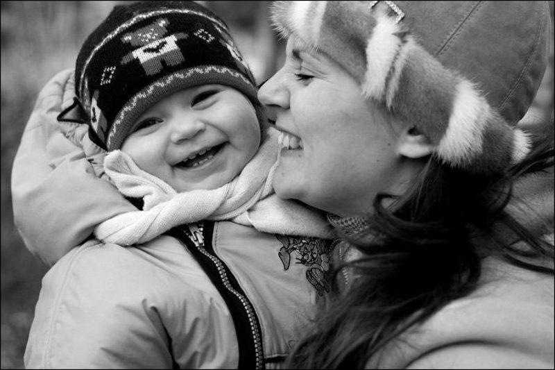 весна смех ребенок мама Веселовесеннееphoto preview