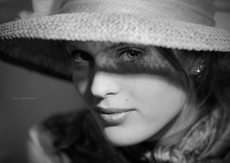александра, красавица, чб, глаз, шляпка Француженкаphoto preview