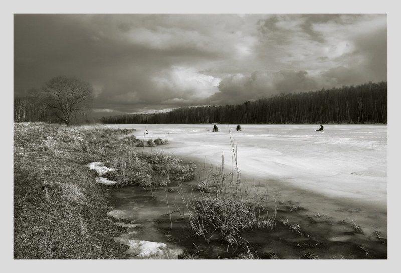 монохром последний лёд...photo preview