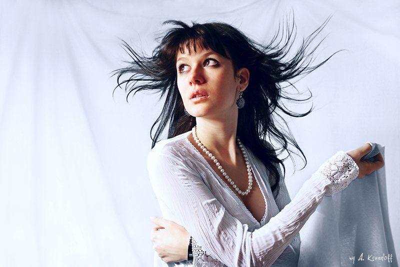 девушка, портрет, взгляд, волосы, ветер воздушная...photo preview