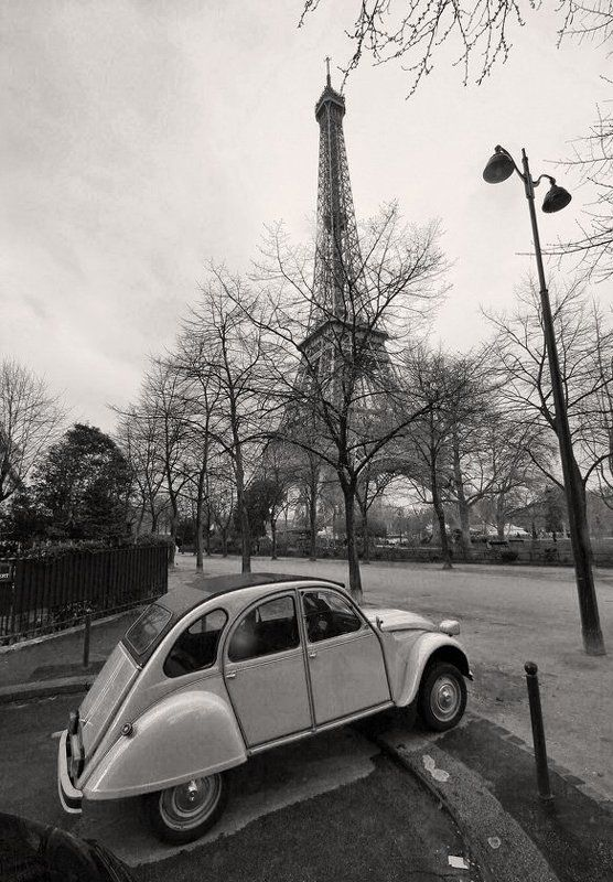 париж, эйфелева, башня, ситроен Deux parisienphoto preview