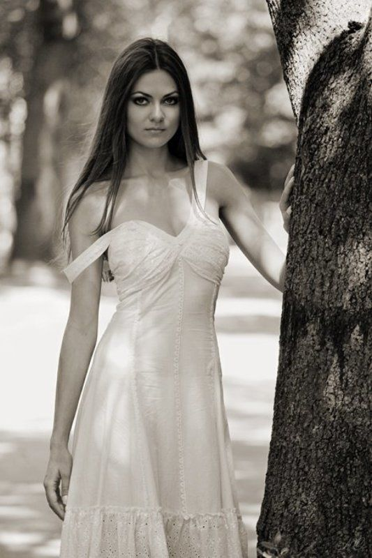 девушка, дерево, парк, весна, судьба Познакомиться говоришь !? ...photo preview