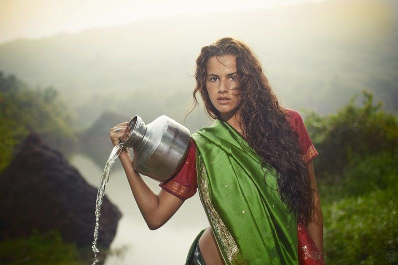 india, green, beauty, pretty, love, jungle, exotic, жара, джунгли, индия, глаза, зной, зелень, страсть Red in greenphoto preview