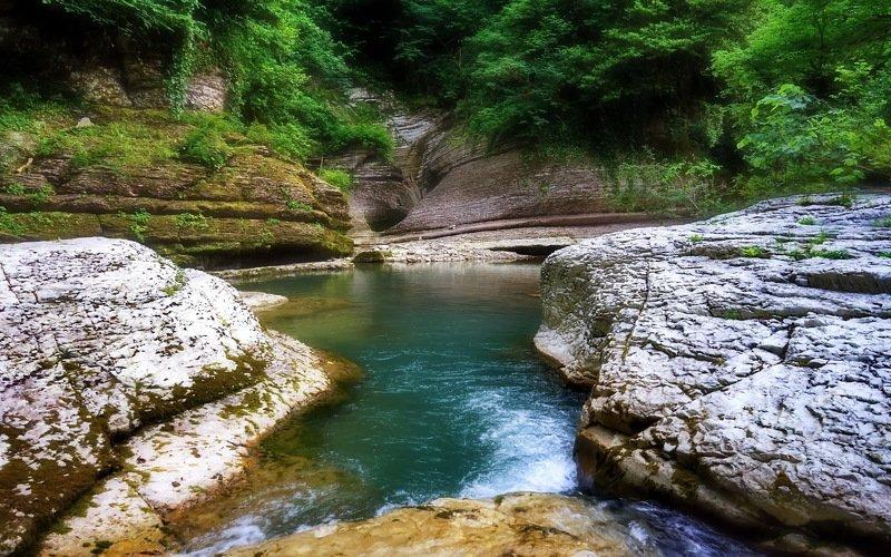 горы река лето Заводь.photo preview