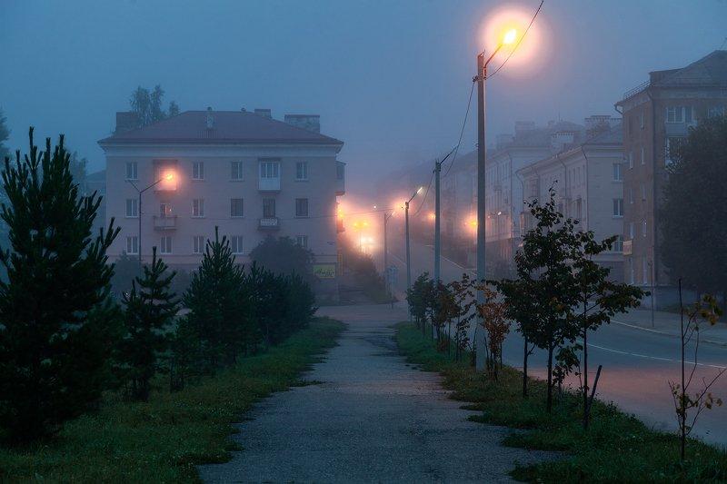 ночь, туман, лысьва, пермский край Ранним утром в Лысьвеphoto preview