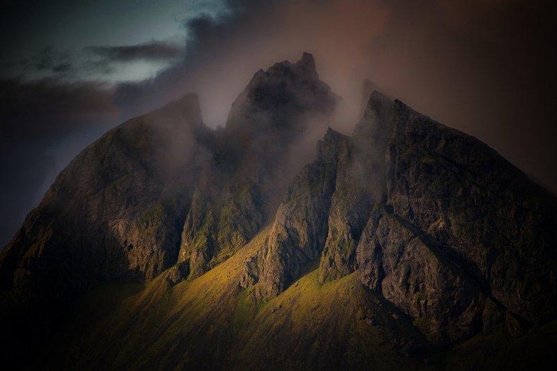 горы,исландия пылающий трезубец Посейдонаphoto preview