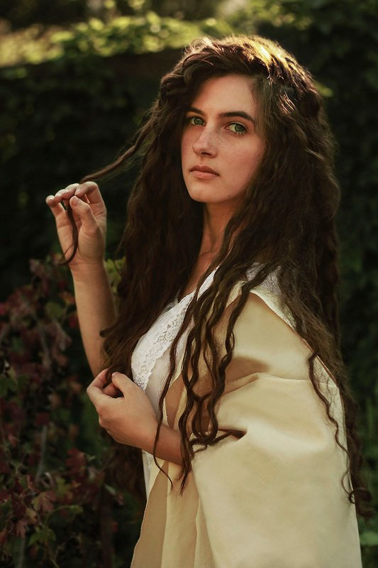 girl,portraiture,face,eyes,beautiful,vintage,forest,summer,renaissance, italian, sunset,elegance VeroNicaphoto preview