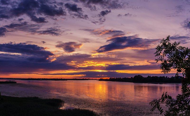 закат, россия, река, великая, отражения Один закат много фотографийphoto preview