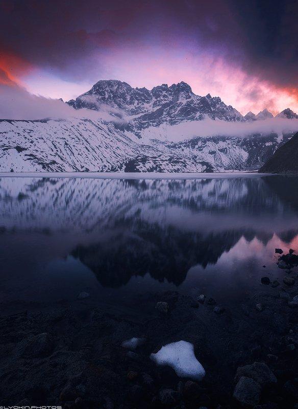 Священное озеро Гокио после закатаphoto preview